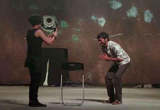 Shamitabh Akshara Haasan Dhanush Acting Stills