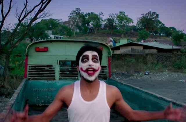 Shamitabh Dhanush Comedy Pics Stills
