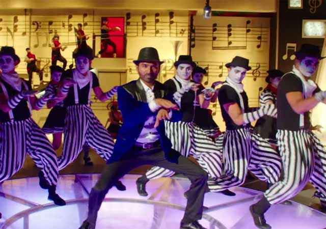 Shamitabh Dhanush Dance Stills
