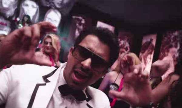 Sharafat Gayi Tel Lene Rannvijay Singh Dance Stills
