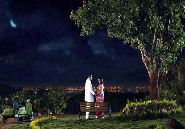 Shirin Farhad Ki Toh Nikal Padi Boman And Farah In Romantic Scene Stills