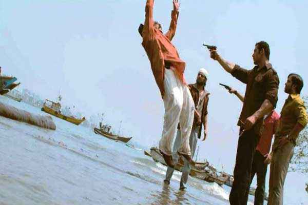 Shootout At Wadala John Abraham Tusshar Kapoor Images Stills