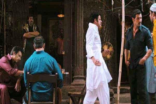 Shootout At Wadala Manoj Bajpai John Abraham Tusshar Kapoor Stills