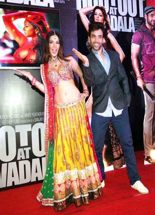 Shootout At Wadala Sunny Leone Tusshar Kapoor Stills
