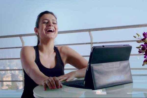 Shortcut Romeo Amisha Patel with Laptop Stills