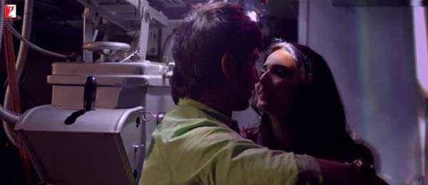 Shuddh Desi Romance Hot Scene Stills