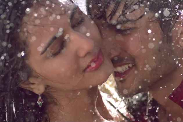 Shuddh Desi Romance Sushant Singh Rajput Vaani Kapoor Kissing Scene Stills