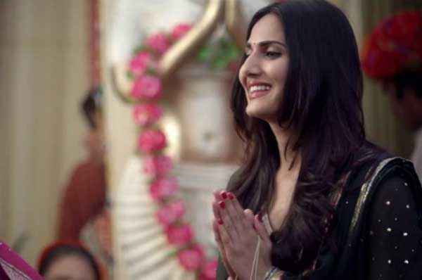 Shuddh Desi Romance Vaani Kapoor Hot Pics Stills