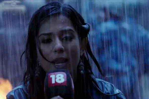 Singh Saab The Great Amrita Rao as Reporter Stills