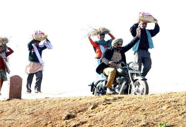 Singh Saab The Great Sunny Deol on Bike Pics Stills