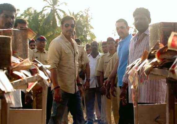 Singham Returns Ajay Devgn With Polic Force Stills