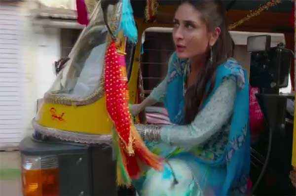 Singham Returns Kareena Kapoor Driving Autorickshaw Stills