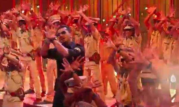 Singham Returns Yo Yo Honey Singh Aata Majhi Satakli Song Stills