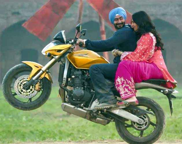 Son Of Sardaar Ajay Devgan Sonakshi Sinha On Bike Scene Stills