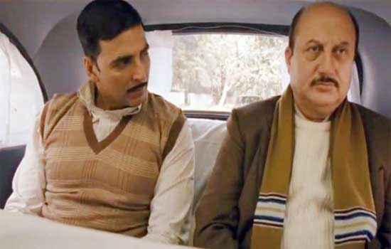 Special Chabbis Akshay Kumar Anupam Kher in Car Stills