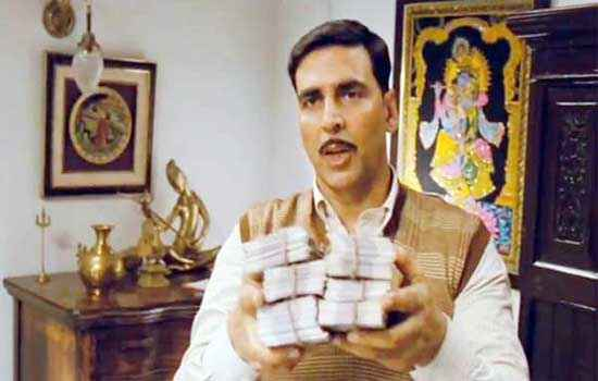 Special Chabbis Akshay Kumar with Money Stills