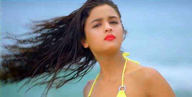 Student of the Year Alia Bhatt Hot Stills