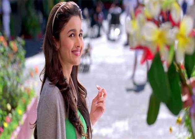 Student of the Year Alia Bhatt Photo Stills