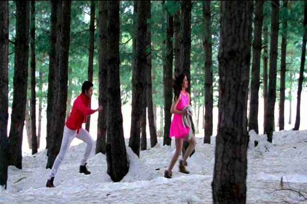 Student of the Year Varun Alia Bhatt In Ishq Wala Love Stills