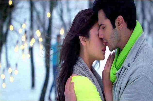 Student of the Year Varun Dhawan Alia Bhatt Kiss Scene Stills