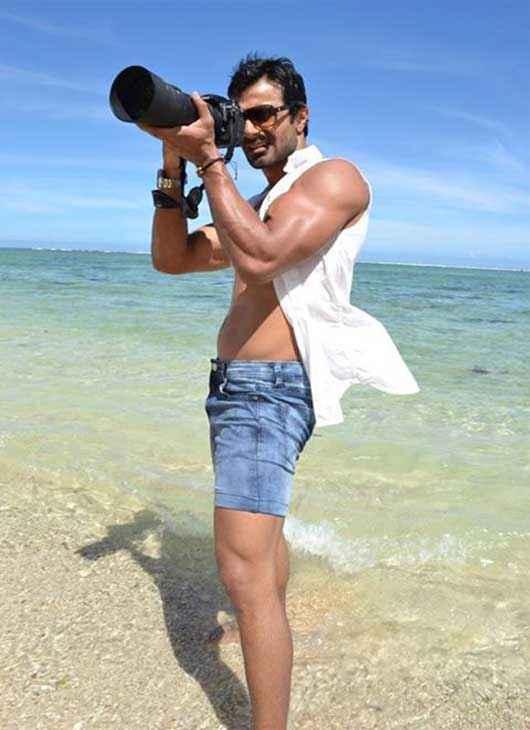 Super Model Ashmit Patel Hot Body Stills