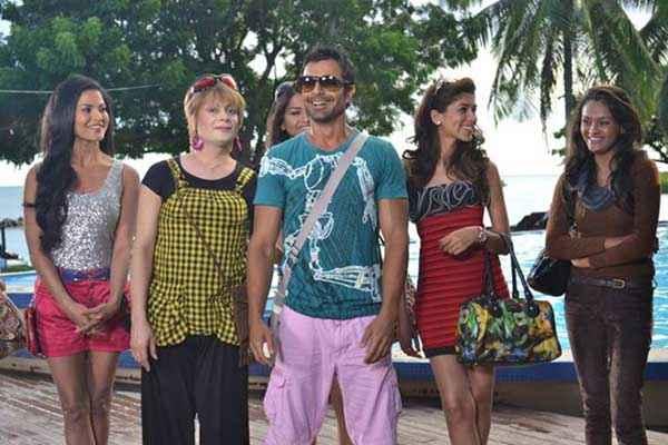 Super Model Ashmit Patel With Girls Stills