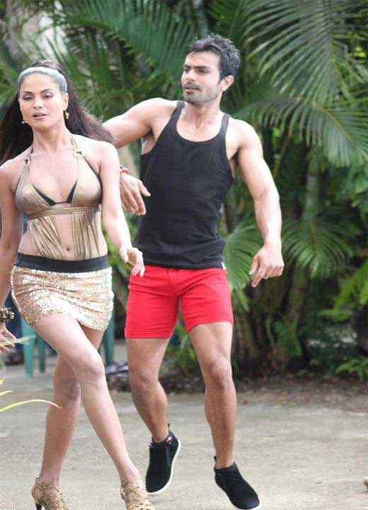 Super Model Veena Malik Ashmit Patel Stills