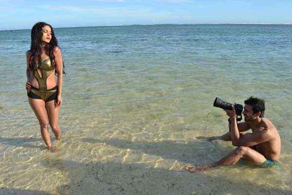 Super Model Veena Malik Photoshoot By Ashmit Patel Stills