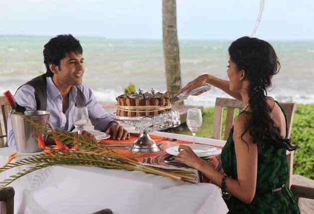Table No. 21 Rajeev Khandelwal Tena Desae Dinner Cake Cutting Stills
