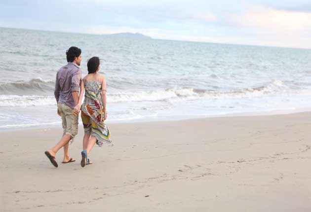 Table No. 21 Rajeev Tena Desae Walking at Beach Stills