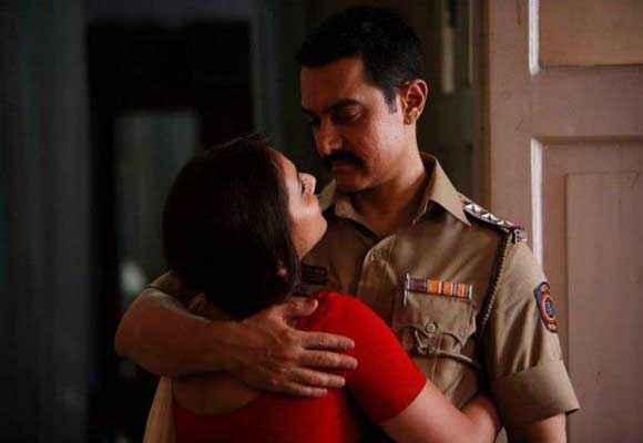 Talaash 2012 Aamir Khan Rani Mukerji Hot Pics Stills