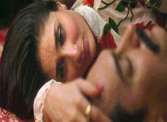 Talaash 2012 Kareena Kapoor Sad Scene Stills