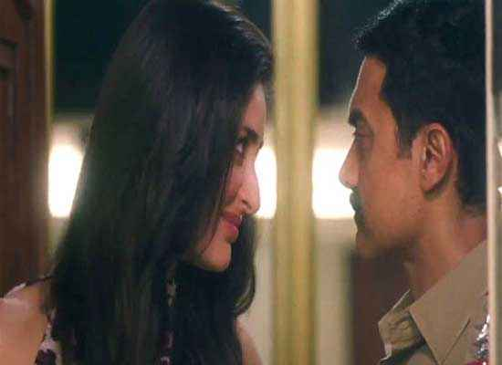 Talaash 2012 Kareena Kapoor With Aamir Khan Stills