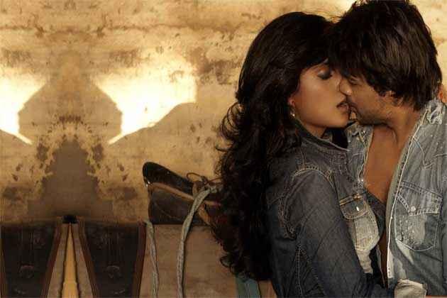Tamanchey Nikhil Dwivedi Richa Chadda Hot Kissing Scene Stills