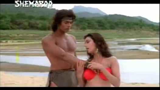 Tarzan Hemant Birje Kimi Katkar Romance Stills