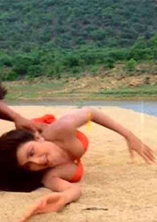 Tarzan Kimi Katkar Boobs Cleavage Stills