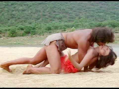 Tarzan Kimi Katkar Hemant Birje Hot Kissing Scene Stills