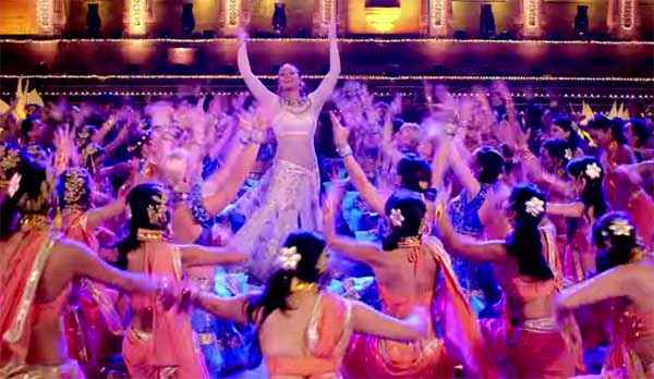 Tevar Sonakshi Sinha Cool Dress In Har Adaa Mein Song Stills