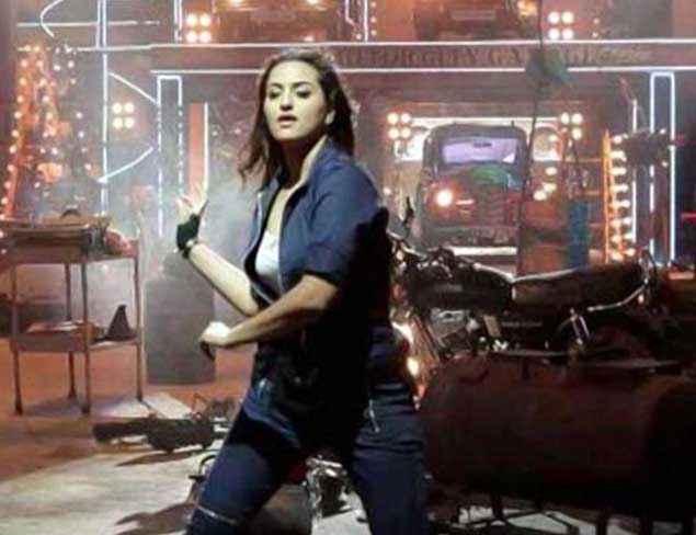 Tevar Sonakshi Sinha Dance Stills