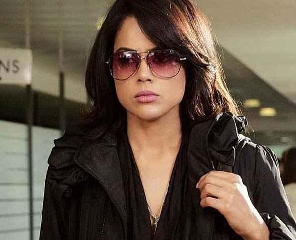 Tezz Star Cast Sameera Reddy