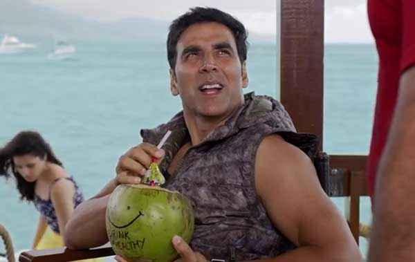 The Shaukeens Akshay Kumar Taking Nariyal Water Stills
