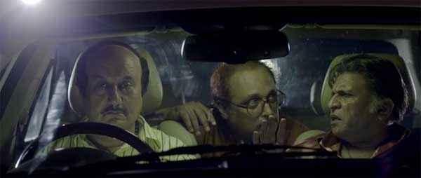 The Shaukeens Anupam Kher Annu Kapoor In Car Stills