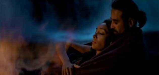 The Unforgettable Sofia Hayat Kissing Raji Bed Scene Stills