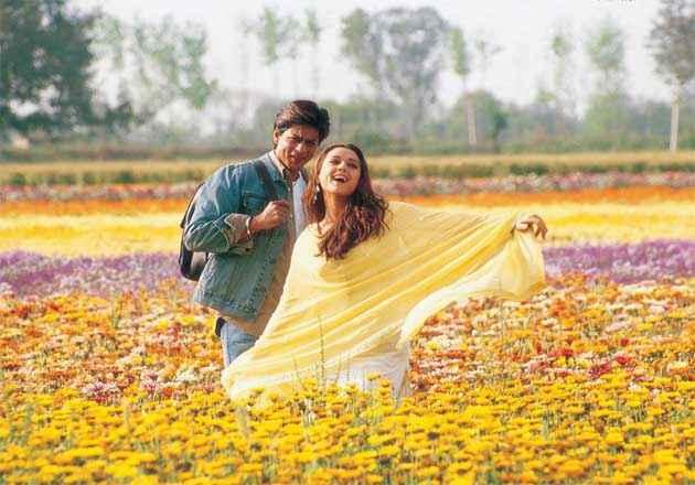 Veer Zaara Shahrukh Preity in Dance Stills