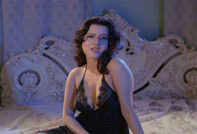 Veerana Jasmin Hot Boobs Cleavage Stills