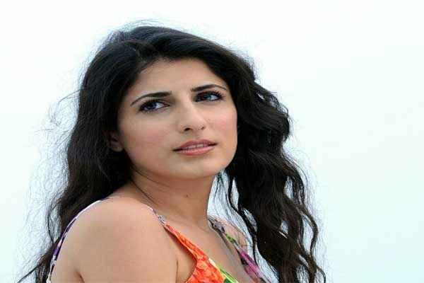 Waisi Waali Khushi Star Cast Masha Pour