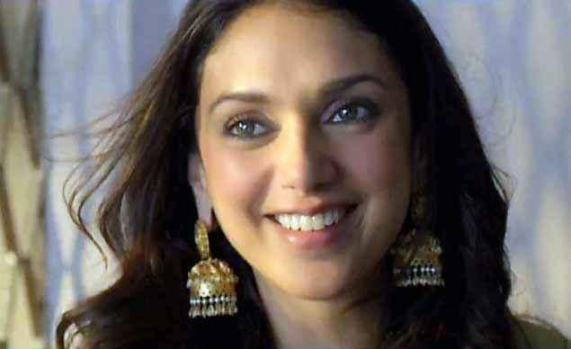 Wazir Aditi Rao Hydari Smiling Stills