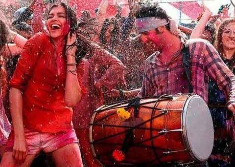 Yeh Jawaani Hai Deewani Ranbir Deepika Balam Pichkari Song Stills