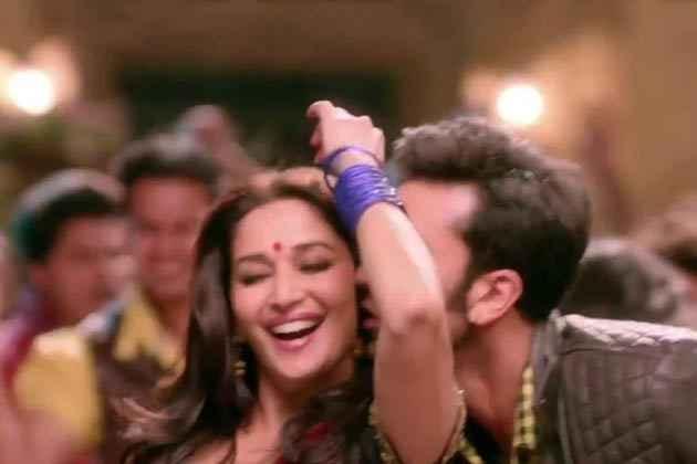 Yeh Jawaani Hai Deewani Ranbir Madhuri Kiss Stills