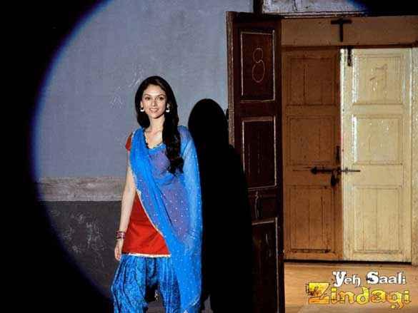 Yeh Saali Zindagi Aditi Rao Hydari Wallpaper Stills